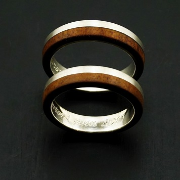 Wedding rings, ring, jewels sylver and wood, gold and wood.