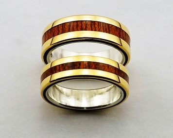 bague 56 en, wood rings, wood ring, wedding ring wood, wood wedding bands, wood engagement ring, unique engagement ring unique wedding ring,  wedding rings, precious wood, wood and silver , wood and gold,  designer wedding rings, designer wedding bands